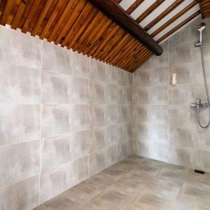 Lovepik_com-501361584-shower-room